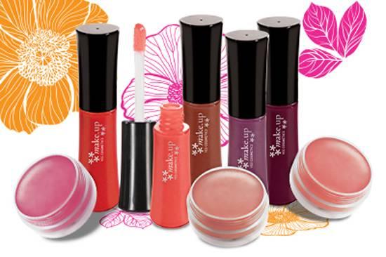 c5878bb87758a Yes Cosmetics amplia linha de maquiagem com lançamento de blushes em creme  e novas cores de glosses